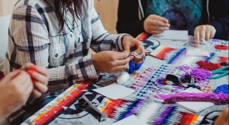 BBBS_indigenous_girl_activity_047